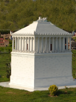 Scale model of a reconstruction of the Mausoleum, one of many widely differing versions, at Miniatürk, Istanbul.